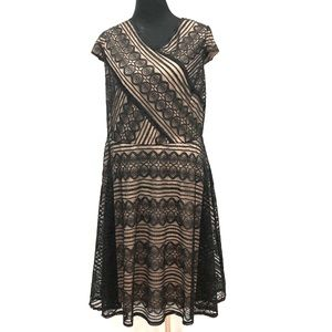 BNWT London Times fit & flare lace dress